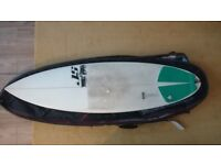 Surfboard - JS Prodigy 5'9 and Ocean 6'0 double board bag