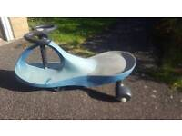 Push along children's scooter wiggle car outdoor toy