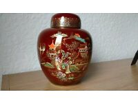 Carlton Ware 'Rouge Royale' Ginger Jar and Cover. - 1940 - Excellent condition