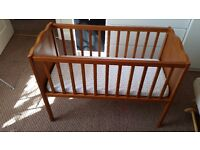 Harlow Static Crib in Antique