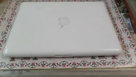 APPLE MACBOOK 13-inch late 2009