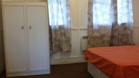 NICE 1 BED FLAT IN EDMONTON (10 MINS FROM STATION. BILLS INCLUDED)