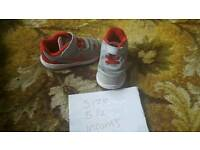 Boys size 5.5 nike trainers