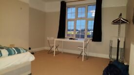 AMAZING DOUBLE ROOM AVAILABLE IN KINGSTON