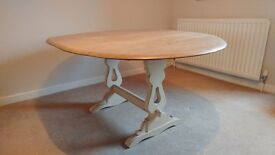 Vintage Rustic Farmhouse Kitchen Table, oval, six-seater