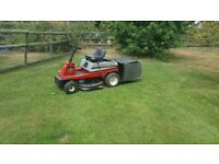 Ride on mower Lawnflight good briggs motor good unit cuts well with grass pickup