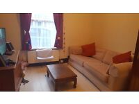 2 rooms for the price of 1! Double room in spacious house by Victoria Park.
