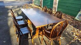 Very Beautiful Webber Extendable Dining Table and Chairs