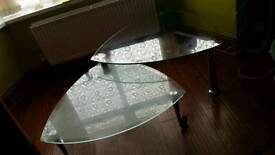 Glass coffee table 2 tier extendable great condition (BARGAIN)