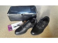 Nike size 9 golf shoes