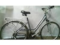 RRP £349.99 WOMANS RALEIGH HYBRID BIKE IN GOOD CONDITION FULLY WORKING with EXTRAS