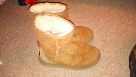 Ugg Boots Short Classic Chestnut Size 5.5uk