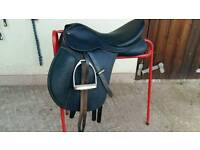 Wintec wide saddle 17.5 inch