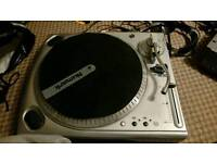 Numark tt1610 decks, mixer and headphones