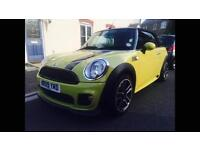 Mini Cooper Convertible JCW styling