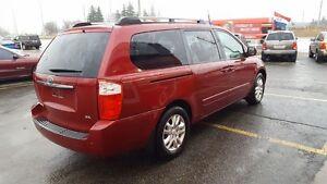 2006 Kia Sedona EX Minivan London Ontario image 4