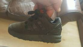 Size 7c baby boys trainers