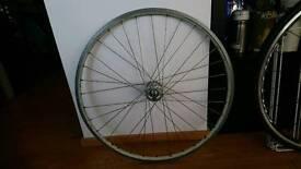 Front wheel with Qaundo hub
