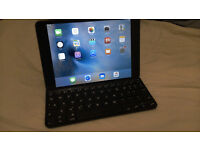 Apple Ipad mini 2 + magnetic keyboard case