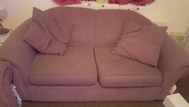 Nice sofa the base a bit broke see photo still can use...pick up only romford