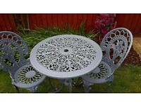 METAL GARDEN TABLE 2 AND CHAIRS