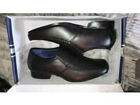 Mens smart shoes size 7.5.