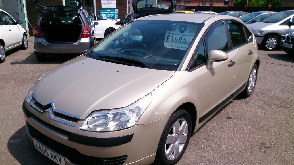 very clean 2005 citroen c4 sx 5 door 1 6 met gold new mot only 67k s history bills alloys cd e. Black Bedroom Furniture Sets. Home Design Ideas