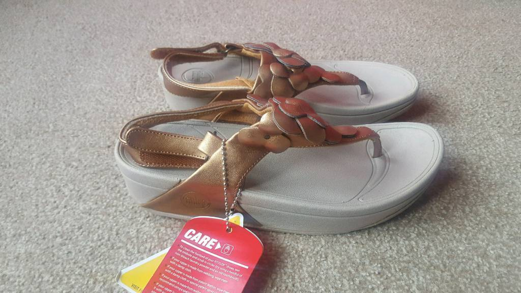 1948a9d1b3cfc0 gold floral and beige leather fitflop sandals size 5 brand new with tags ...