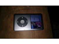 iPod classic 160gb 7th generation boxed