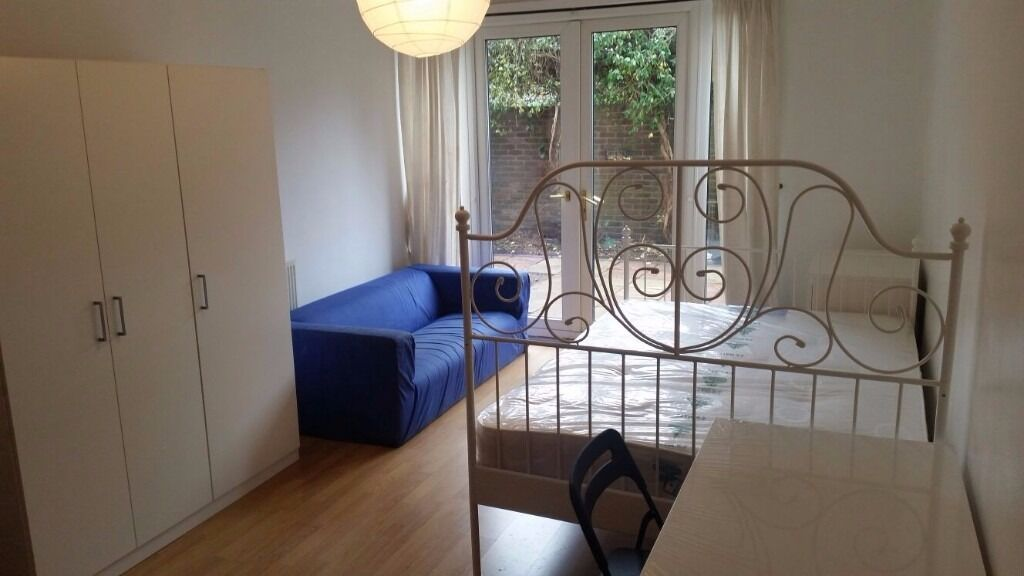 ** FLATSHARE **, Spanby Road, London