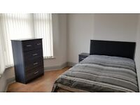 Newly-renovated rooms to rent in Gloucester, L6
