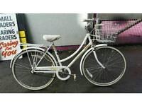 Raleigh Caprice ladies shopper bike
