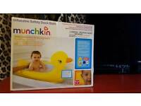 Inflatable baby duck bath