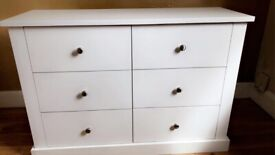 Chest of drawers almost new
