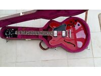 Gibson 335, cherry red, made in Nashville
