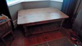 Lovely old victorian pine coffee table