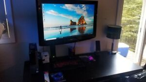 "Lg 37"" with wallmount"