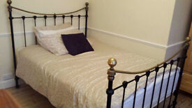 Lovely Double Room in Cheam, SM3