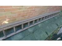 Double wooden ladder - 16 rung