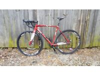 54cm mens cyclocross bike very good condition lite weight bargain