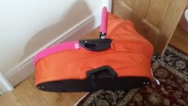 Lovely bright Carrycot for QuinnyBuzz