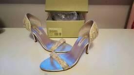 DUNE size 7 heels, cream/silver beaded detail