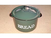 VINTAGE RUSTIC GREEN & WHITE ROUND ENAMEL BREAD BIN WITH LID FROM POLAND - MINT!