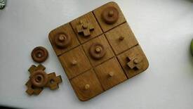 Noughts and crosses board