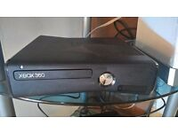 FOR SALE XBOX 360, including 5 games, controller and Kinet