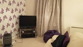 Room to rent in a nice girly two bed apartment in Farnworth, Bolton