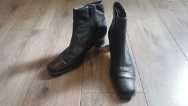 Clarks leather boots 6 1/2