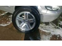 "Chrysler 300c 18"" wheels and 225/60/18 pirelli tyre' s"
