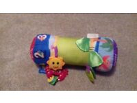 Baby tummy time toy
