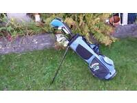Set of junior callaway xj series golf clubs and callaway bag in superb condition